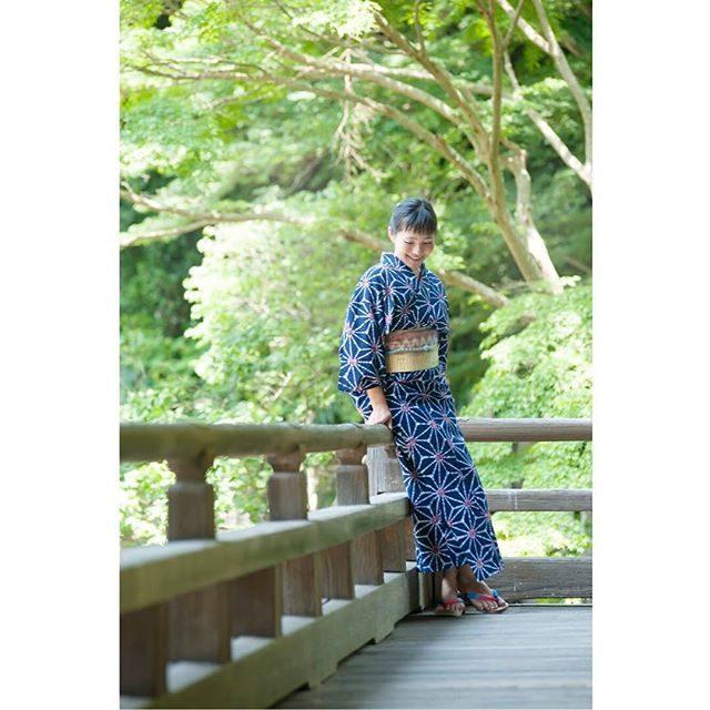 小物の色合わせがとってもステキな浴衣美人。@wabito_kamakura **️こちらでも掲載許可をいただいた方のお写真をご紹介していきたいと思います。#wabito#和美人#鎌倉#湘南#葉山#summer #ig_japan #着物美人#着物#子育て#出張撮影 #ロケーションフォト#浴衣#浴衣美人 #写真好きな人と繋がりたい #写真撮ってる人と繋がりたい #beautifulwomen #kimono#japan#日本の夏 (Instagram)
