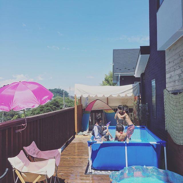 本日の @kamakura_coworking_house さんでのツキイチマルシェiPhoneではオープン前の この1枚しか撮れて ない。。 とんでもない暑さの中での縁日写真館となりました。撮影に参加された ママさんたちのご協力のおかげで全ての撮影を無事に撮りきることができて感謝 感謝です!#ありがとうございます#達成感#出張撮影#kamakuracoworking#猛暑#猛暑日#プール#鎌倉#kamakura#summer (Instagram)