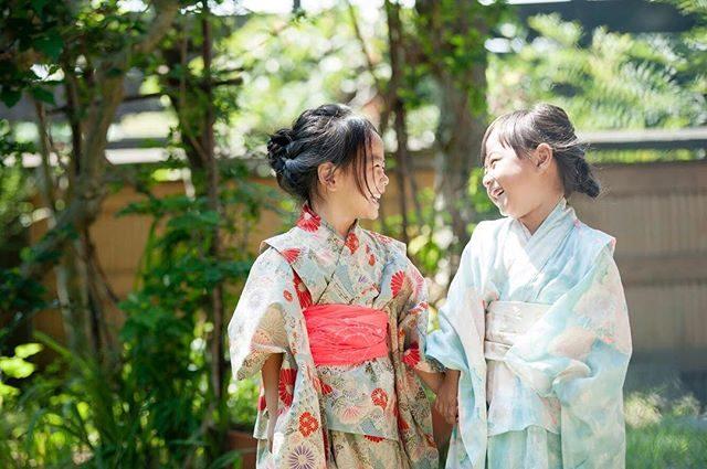 ほんの数日前に撮影した浴衣姿とふたりの笑顔がもう すっかり 夏の思い出に感じる 9月のはじまり。今日から 浴衣から着物の撮影へ 衣替え#浴衣#ハンドメイド#ママの手作り#naniiro#naniirofabric #葉山#古民家#ハンドメイドこどもふく #kidsphotography #ig_kids #ig_japan #写真撮ってる人と繋がりたい #写真好きな人と繋がりたい #なつのおもいで#おともだち#friends#friendsforever #japan#湘南#七五三#出張撮影#ロケーションフォト (Instagram)
