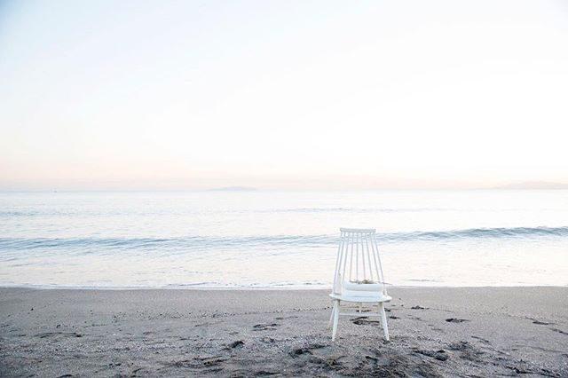 企業撮影で使わせていただいているBornfreeworksさんにて昨日は はじめての こども撮影でした。とにかくシンプルで真っ白な温もりのある空間は小さな子どもの撮影にぴったりで3/24の「白と海の写真館」撮影が ますます楽しみに♪写真はオーガニックコットンタオルですが晴れたら 目の前の海辺に白い椅子をちょこんと置いて撮影します。時間調整にお時間いただいておりますがゆったりと 海と お子様の成長を感じながら過ごしていただきたいので余裕を持っての時間枠にしたいと思います。#本日中にご連絡します#出張撮影#ロケーションフォト#由比ヶ浜#bornfreeworks#写真好きな人と繋がりたい#写真撮ってる人と繋がりたい #東京カメラ部#オーガニックコットン#天衣無縫#鎌倉#入園#入学#ランドセル撮影#結婚記念日#卒園#卒業 (Instagram)