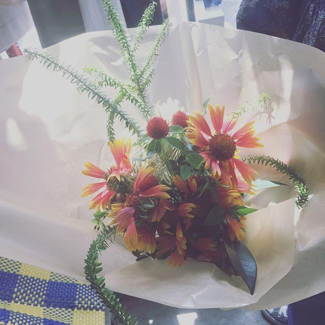 昨日の午後撮影の5歳七五三お祝い花は、お店の中でもかわいい かわいいと大人気でした。#出張撮影#ロケーションフォト#プレジール#leplaisir#amigokitchen#七五三#七五三前撮り#逗子#bouquet (Instagram)