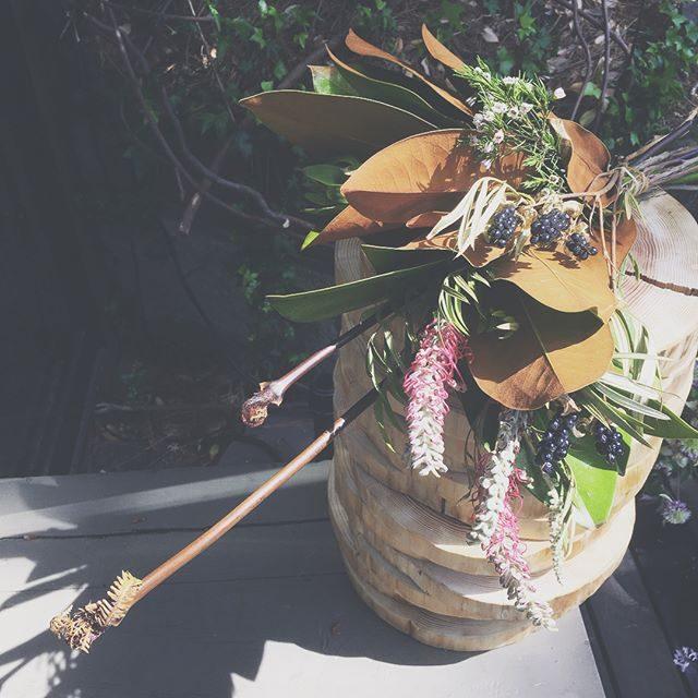 明日の撮影用のお花を取りに行ったら母の日用の可愛らしいお花であふれていましたまだ間に合う、ということでお花を発送してもらうことに♪今年は母の日に間に合いそうです。そして明日のお花のテーマは探検隊です。@leplaisir_leplaisir #母の日#leplaisir#ブーケ#出張撮影#ロケーションフォト#flowers#mothersday#逗子 (Instagram)