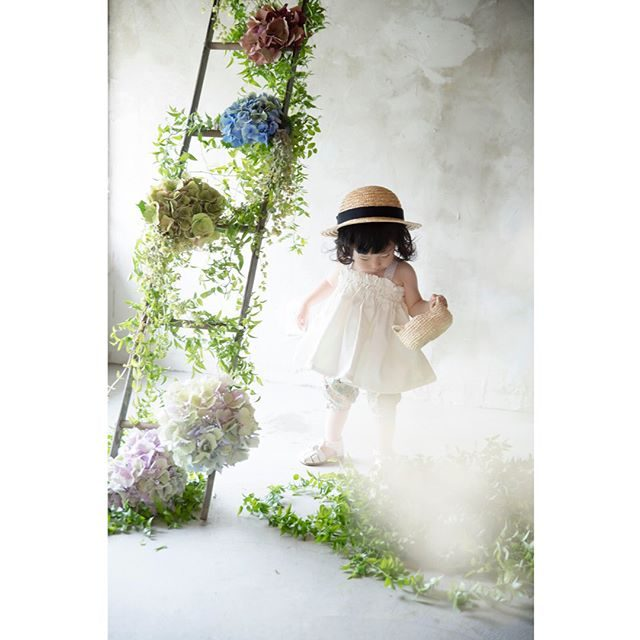 ALKU'MIさんでの@leplaisir_leplaisir さんによる向日葵スタイリングミニ撮影会満員御礼となりました。ありがとうございます。とっても可愛らしい浴衣がどんどん仕立て上がっています。楽しみだなぁ♪#出張撮影#ハンドメイド子ども服#紫陽花#写真好きな人と繋がりたい#写真撮ってる人と繋がりたい#東京カメラ部#kidsphotography#kidsphoto#子ども写真#ninas#ママリ#キッズモデル#子育て#湘南#鎌倉#ig_japan (Instagram)