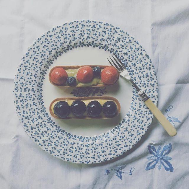 @nicochanjapon さんのタルト週末の撮影のオーダーに行き夕飯のデザート用で我が家の分も♪テニスから戻った子どもたちは美味しい美味しいと 大絶賛!バジルとイチゴのタルト優しくて とっても美味しい#ニコラアンドハーブ#葉山#無農薬ハーブ (Instagram)