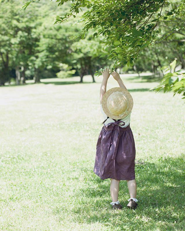 もうすぐ 夏休み。週末撮影していて感じたことは今年は とにかく 暑い。ということで。。夏休み期間中は通常よりも 短い時間少ない提供枚数での「夏休み ミニ撮影」としてご案内を変更させていただきます。料金は お問い合わせください。海や森で家族の夏の思い出の一枚浴衣姿で 夏の記念の一枚を♪#出張撮影#ロケーションフォト#写真好きな人と繋がりたい#写真撮ってる人と繋がりたい#東京カメラ部#子ども写真#夏休み#キッズモデル#summer#kidsphotography#葉山#湘南 (Instagram)