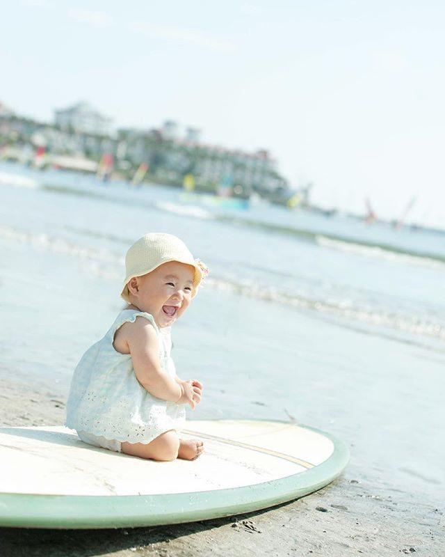 9月の終わりの 夏のようなミニ撮影会。大量のワカメレタッチ処理に 時間かかっちゃいましたが全て終わりました!今日も30度の夏日になるそう️まだ風が強いのでお着物でも なんとか暑さをしのげたら いいなぁ。#出張撮影#材木座海岸#材木座#鎌倉#beach#ミニ撮影会#kidsphotography#kidsphoto#コドモノ#ママリ#ファインダー越しの私の世界#写真好きな人と繋がりたい#igersjp#ig_japan #キッズモデル#baby#ベビフル (Instagram)