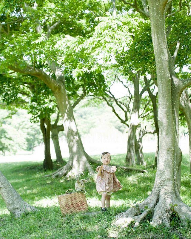 最近の撮影子どもたちと一緒にエッグハントやってます🥚4/21 (sun) @alku_mi さんとの森の中でのロケーションミニ撮影会はちょうど イースターの日イースターエッグだけじゃなくってお菓子もかくれんぼ しようかなミニ撮影会は 14:00からの枠のみとなりましたが森が一番きれいな光の時間が14時半から15時半頃になりますのでご希望がありましたら最後にもう1枠 増やすことも可能です。入園 入学のご記念にも是非!詳しい詳細と ご予約は@alku_mi さんまで。#出張撮影#ロケーションフォト#ハンドメイド子ども服#入園#入学#写真好きな人と繋がりたい#写真撮ってる人と繋がりたい#キッズモデル#コドモノ#子育て#鎌倉#逗子#easter#イースター#エッグハント#ig_japan (Instagram)