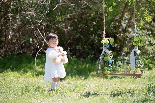 わたしのブランコシリーズ。お誕生日のお祝いに。#わたしのブランコシリーズ#最近やたらと#シリーズ化#ハンドメイド子ども服#tacktacktack#写真好きな人と繋がりたい#写真撮ってる人と繋がりたい#kidsphotography#湘南#コドモノ#キッズモデル#親バカ部 (Instagram)