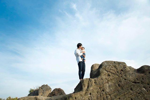 青空が 懐かしく感じる今日 この頃。#神武寺#七五三#森戸大明神#森戸神社#ロケーションフォト#青空#青空の下で写真撮りたい#kidsphotography#着物#キッズモデル#5歳#湘南#神奈川#ig_japan (Instagram)